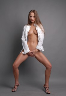 Tayni, Russian escort in Oslo