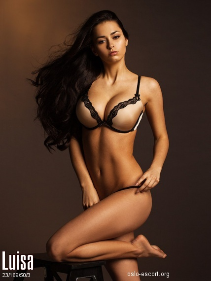 Luisa, Russian escort in Oslo who offers 69